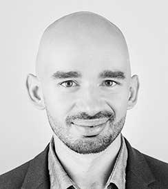 Sektor 3.0 Fundusz MENTORZY etap LAUREACI FUNDUSZU Piotr Podziemski Holobits